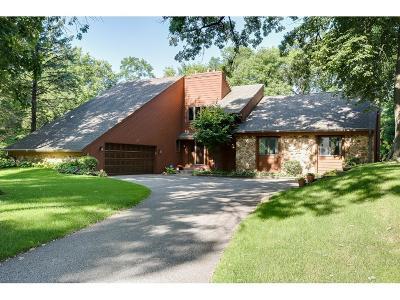 Minnetonka Single Family Home For Sale: 15111 Linner Ridge