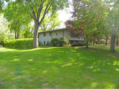 Northfield Single Family Home For Sale: 917 Ivanhoe Drive