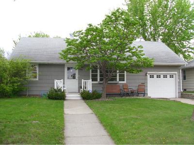 Shakopee Single Family Home For Sale: 829 6th Avenue W