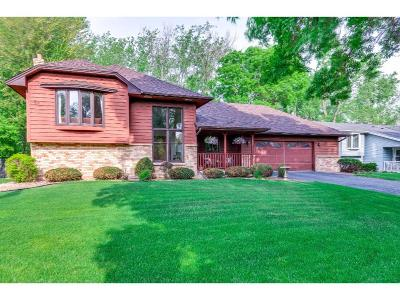 Shoreview Single Family Home Contingent: 5973 Turtle Lake Road