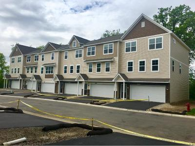 Maple Grove Condo/Townhouse For Sale: 17646 96th Place N