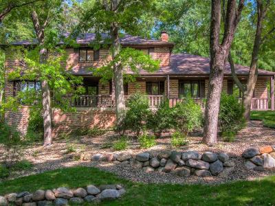 Minnetonka Single Family Home For Sale: 14711 Minnehaha Place