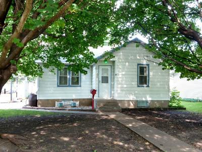 Hutchinson Single Family Home For Sale: 526 Erie Street SE