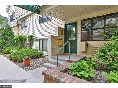 Edina Condo/Townhouse Contingent: 7621 Edinborough Way #2302