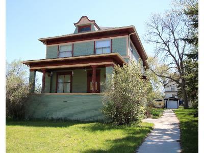 Staples Single Family Home For Sale: 432 5th Street NE
