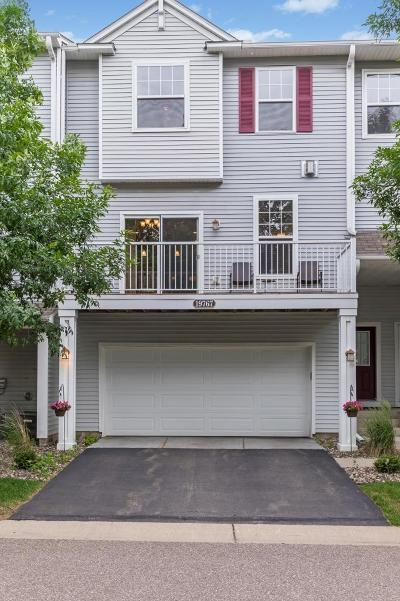 Farmington Condo/Townhouse For Sale: 19767 Escalade Way #404