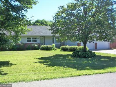 Hutchinson Single Family Home For Sale: 1125 Jefferson Street SE