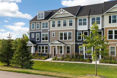 Carver, Eden Prairie, Chanhassen, Chaska Condo/Townhouse For Sale: 585 Satori Way