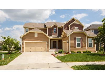 Apple Valley Single Family Home For Sale: 15893 Elmcroft Way