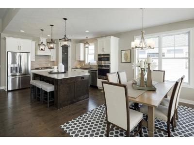 Wayzata, Plymouth Single Family Home For Sale: 5400 Alvarado Lane N