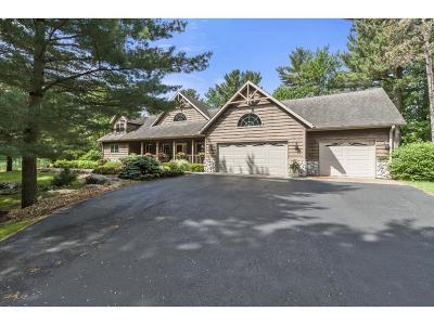 Menomonie Single Family Home For Sale: 2403 Eagle Ridge Drive NE