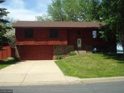 Lino Lakes Single Family Home Contingent: 6773 E Shadow Lake Drive