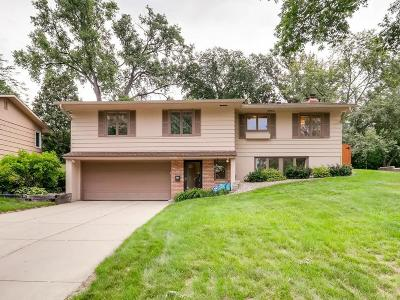 Saint Louis Park Single Family Home For Sale: 2419 Gettysburg Avenue S
