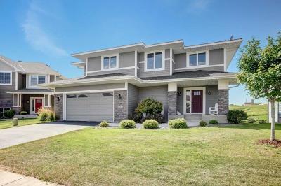 Chanhassen Single Family Home For Sale: 9150 Degler Circle