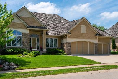 Eden Prairie Single Family Home For Sale: 10542 Prairie Lakes Drive