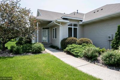 Burnsville Condo/Townhouse For Sale: 2714 Boulder Drive