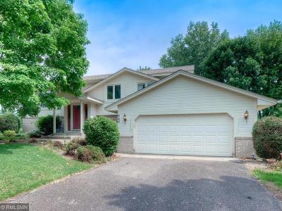 Mahtomedi Single Family Home For Sale: 649 Mina Court