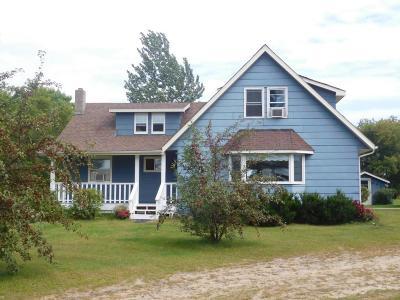 Cambridge Single Family Home For Sale: 36501 Vickers Drive NE