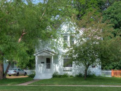 New Richmond Single Family Home Contingent: 225 N Green Avenue