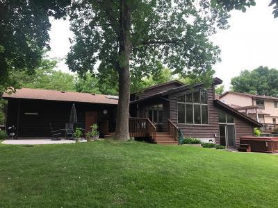 Wayzata, Plymouth Single Family Home For Sale: 5090 Larch Lane N