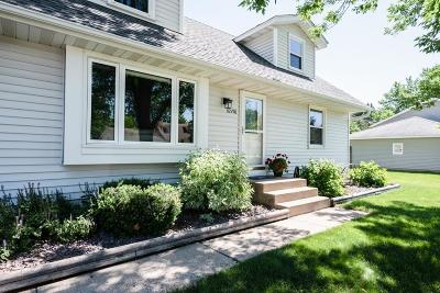 Lakeville Single Family Home For Sale: 16598 Genesee Avenue W