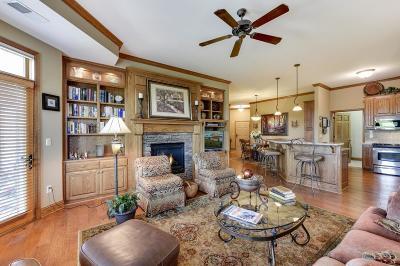 Victoria Condo/Townhouse For Sale: 1776 Stieger Lake Lane #404