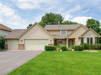 Maple Grove Single Family Home For Sale: 8587 Sycamore Lane N