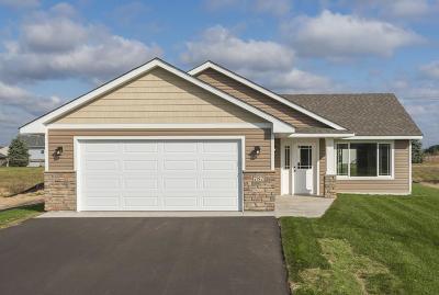 Cambridge Single Family Home For Sale: 1226 17th Avenue SE