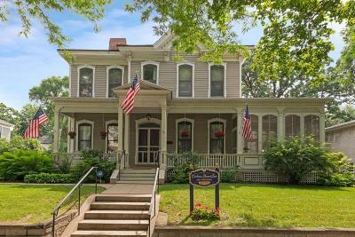 Saint Paul Single Family Home For Sale: 96 Virginia Street