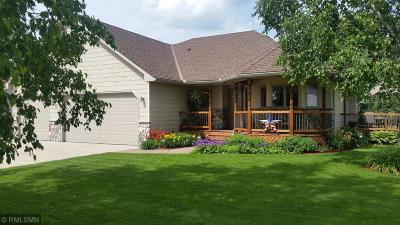 Isanti Single Family Home For Sale: 527 8th Avenue NE