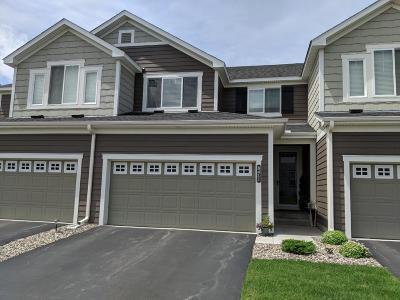 Maple Grove Condo/Townhouse For Sale: 8411 Larch Lane N