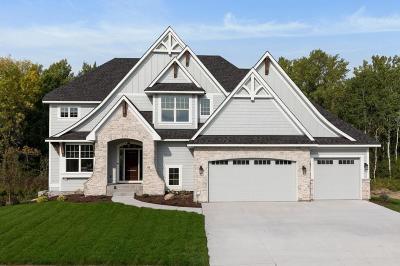 North Oaks Single Family Home For Sale: 36 Rapp Farm Boulevard