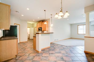 Inver Grove Heights Condo/Townhouse For Sale: 4677 Blaine Avenue #904