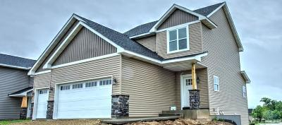 River Falls Single Family Home For Sale: 1685 Morning Glory Drive