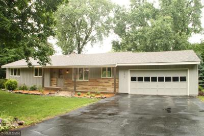 Minnetonka Single Family Home For Sale: 14610 Woodhill Terrace