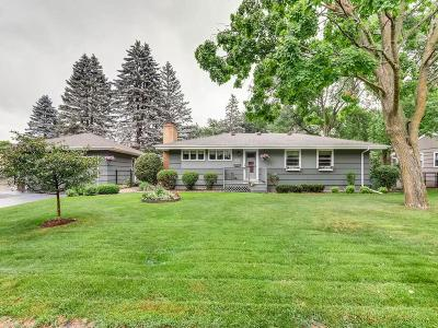 Minnetonka Single Family Home Contingent: 2621 Cedar Crest Road W