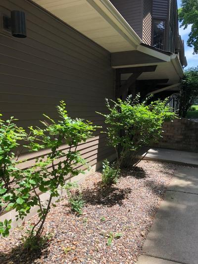 Hennepin County Condo/Townhouse For Sale: 12665 Sherwood Place
