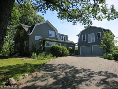 Chanhassen Single Family Home For Sale: 1275 Lilac Lane