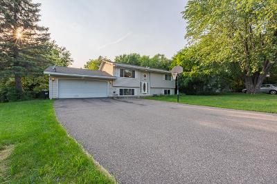 Shoreview Single Family Home For Sale: 855 Westview Drive