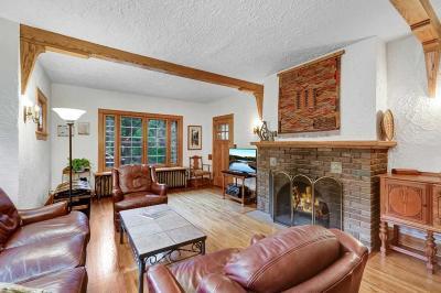 Minneapolis Single Family Home For Sale: 21 Rustic Lodge E