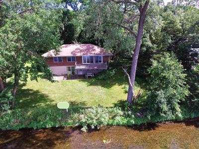 Chisago County, Washington County Single Family Home For Sale: 7241 N Shore Trail N