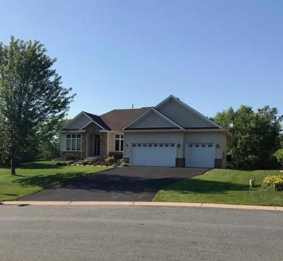 Eagan Single Family Home For Sale: 661 Woodland Way