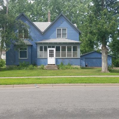 Isanti Single Family Home Contingent: 122 Main Street E