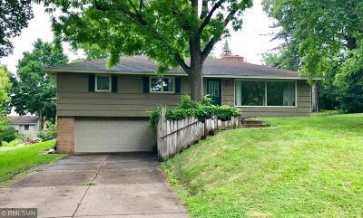 Edina Single Family Home For Sale: 6017 Walnut Drive