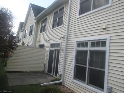 Mound Condo/Townhouse For Sale: 2114 Village Trail