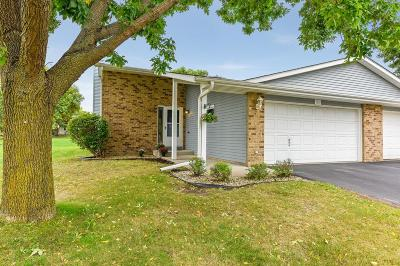 Maple Grove Condo/Townhouse For Sale: 15431 95th Avenue N