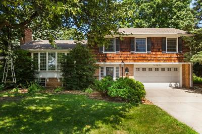 Edina Single Family Home For Sale: 4812 Dunberry Lane