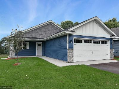 Isanti Condo/Townhouse For Sale: 938 Winsome Way NW