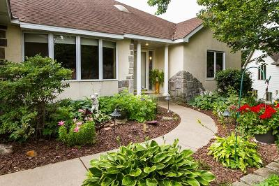 Burnsville Single Family Home For Sale: 12649 Tiffany Court