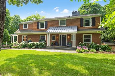 Deephaven Single Family Home For Sale: 4045 Hillcrest Court